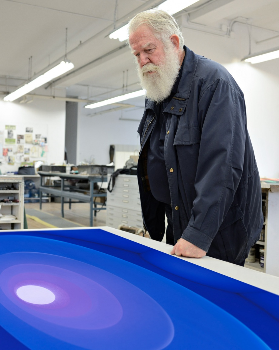 "James Turrell in the Pace Editions print show with ""Aten Reign"" (2015)"
