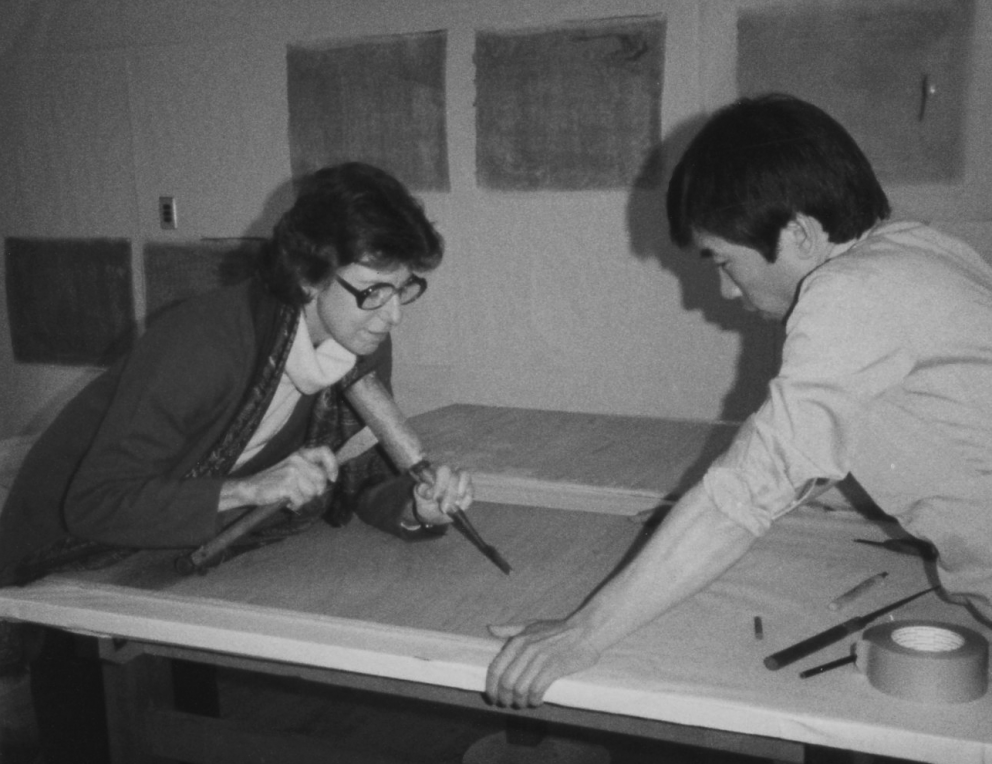 Helen Frankenthaler with Crown Point Master Printer Hidekatsu Takada, 1983. Photograph by Kathan Brown.